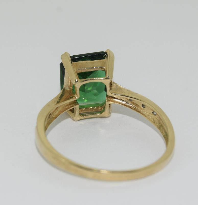 9ct Gold Diamond Chipped Shoulder Ring. Size N - Image 3 of 4