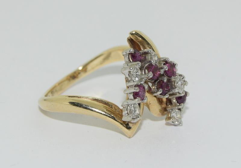 A 14ct yellow gold ruby and diamond ring in the Art Deco style. Size P - Image 5 of 6