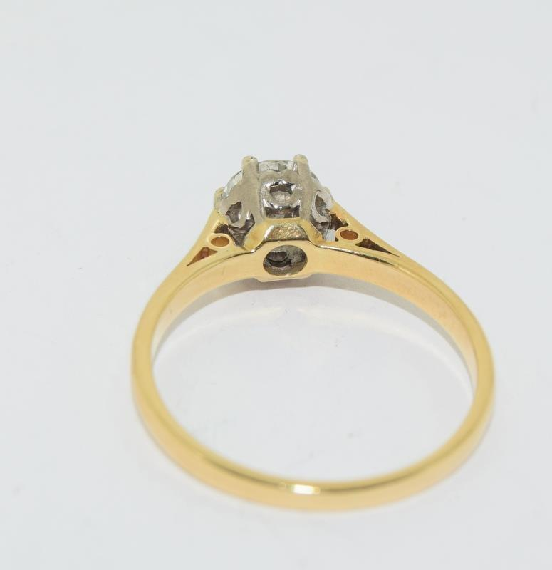 18ct Gold ladies Diamond Solitaire ring. Size N. - Image 6 of 12