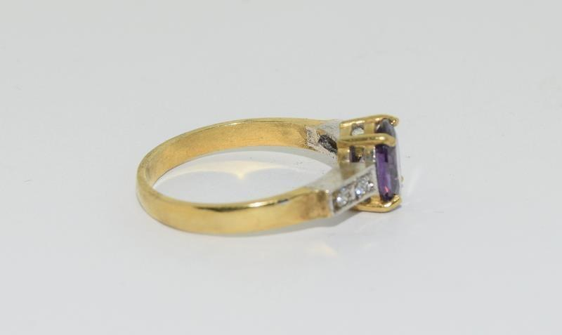 9ct Gold on Silver Amethyst CZ ring. - Image 2 of 5