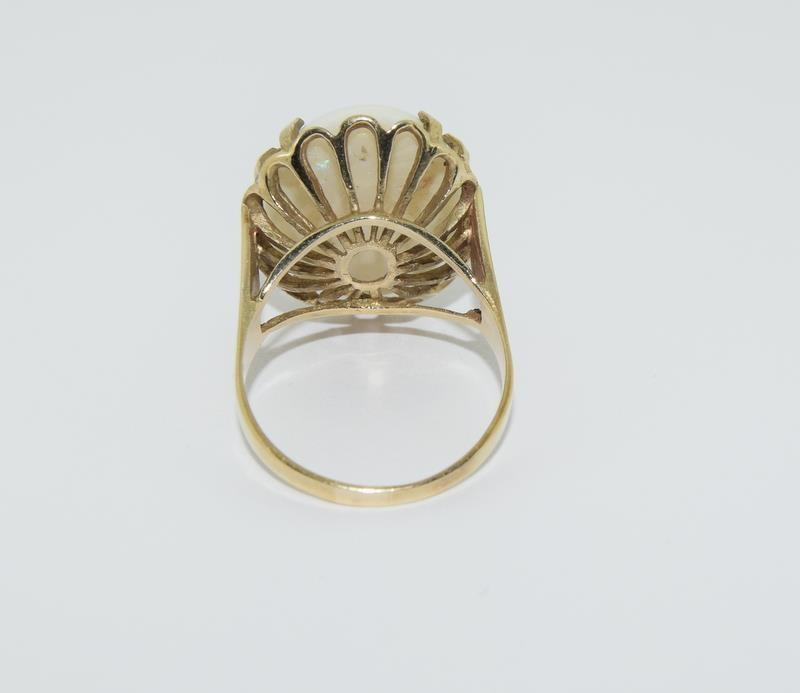 9ct Gold very large Opal ring. Size R. - Image 3 of 6