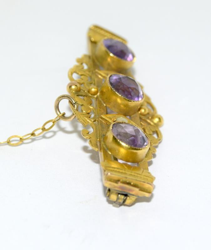 A late Victorian/Edwardian three stone Amethyst and Pearl Brooch. - Image 2 of 4
