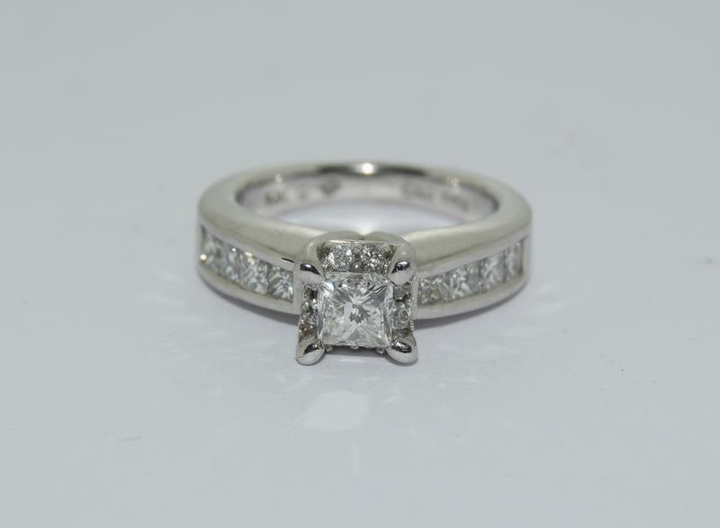 A 14ct white gold and diamond ring with central princess cut diamond. Size K - Image 7 of 7