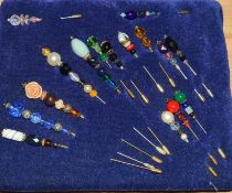 Good collection of Victorian and other ladies hat pins.