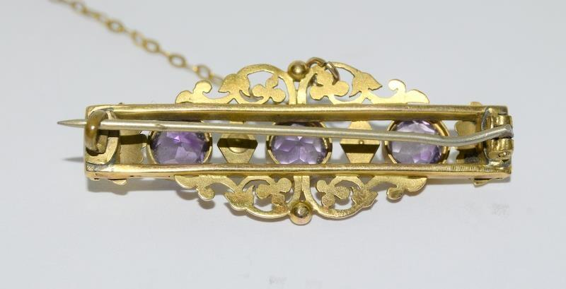 A late Victorian/Edwardian three stone Amethyst and Pearl Brooch. - Image 3 of 4