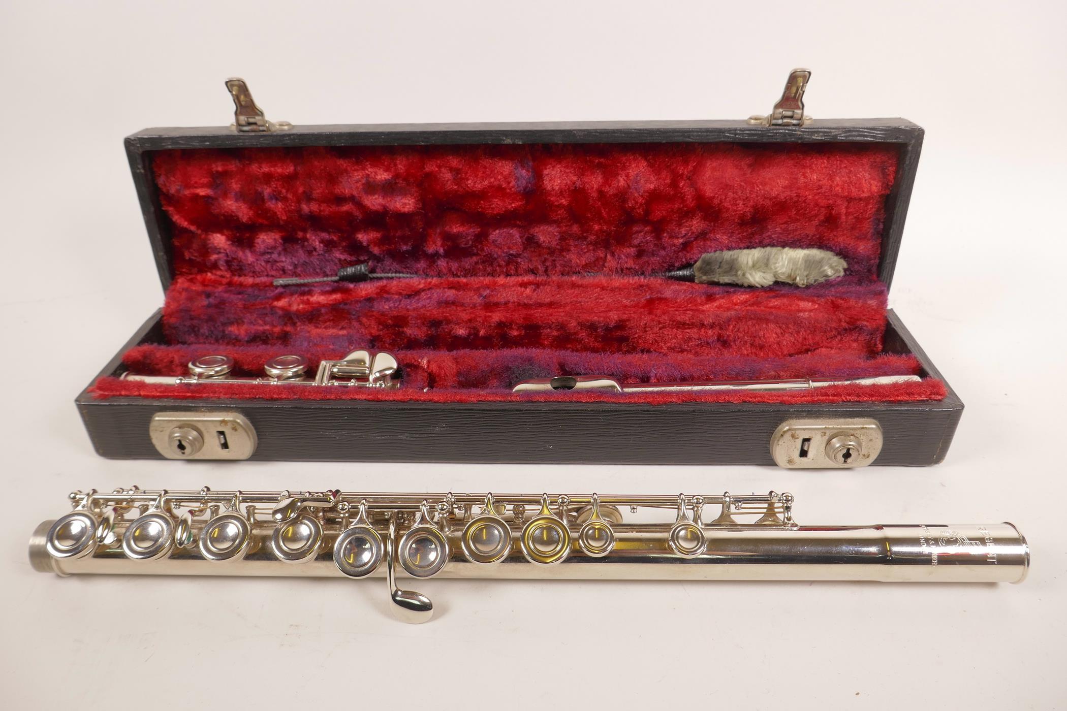 Lot 27 - A Boosey & Hawkes 'Regent' flute, serial number 343931, in original case