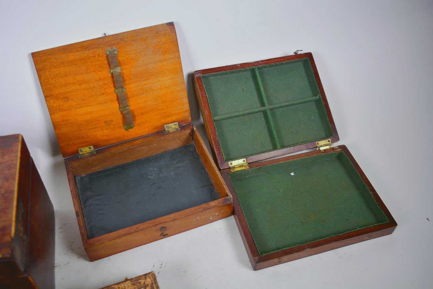 Lot 14 - A collection of vintage and antique boxes including a mahogany tea caddy etc