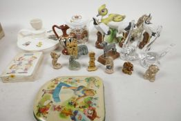 A quantity of miscellaneous trinkets etc including four ceramic bird figurines, a Holkham pottery '