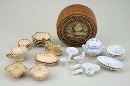 Miniature dinner service in box, German circa 1890,