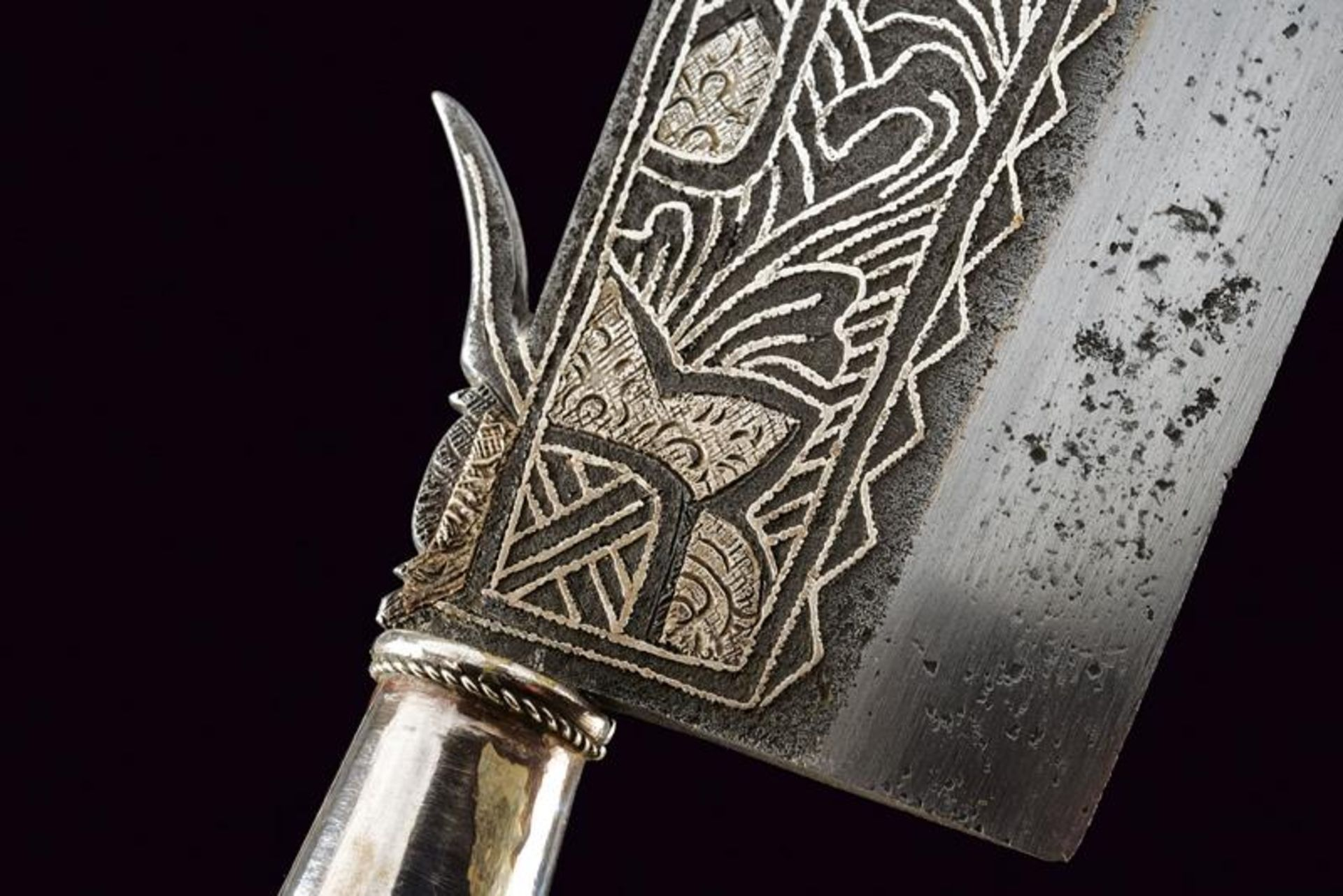 A ceremonial axe with silver hilt - Bild 2 aus 6