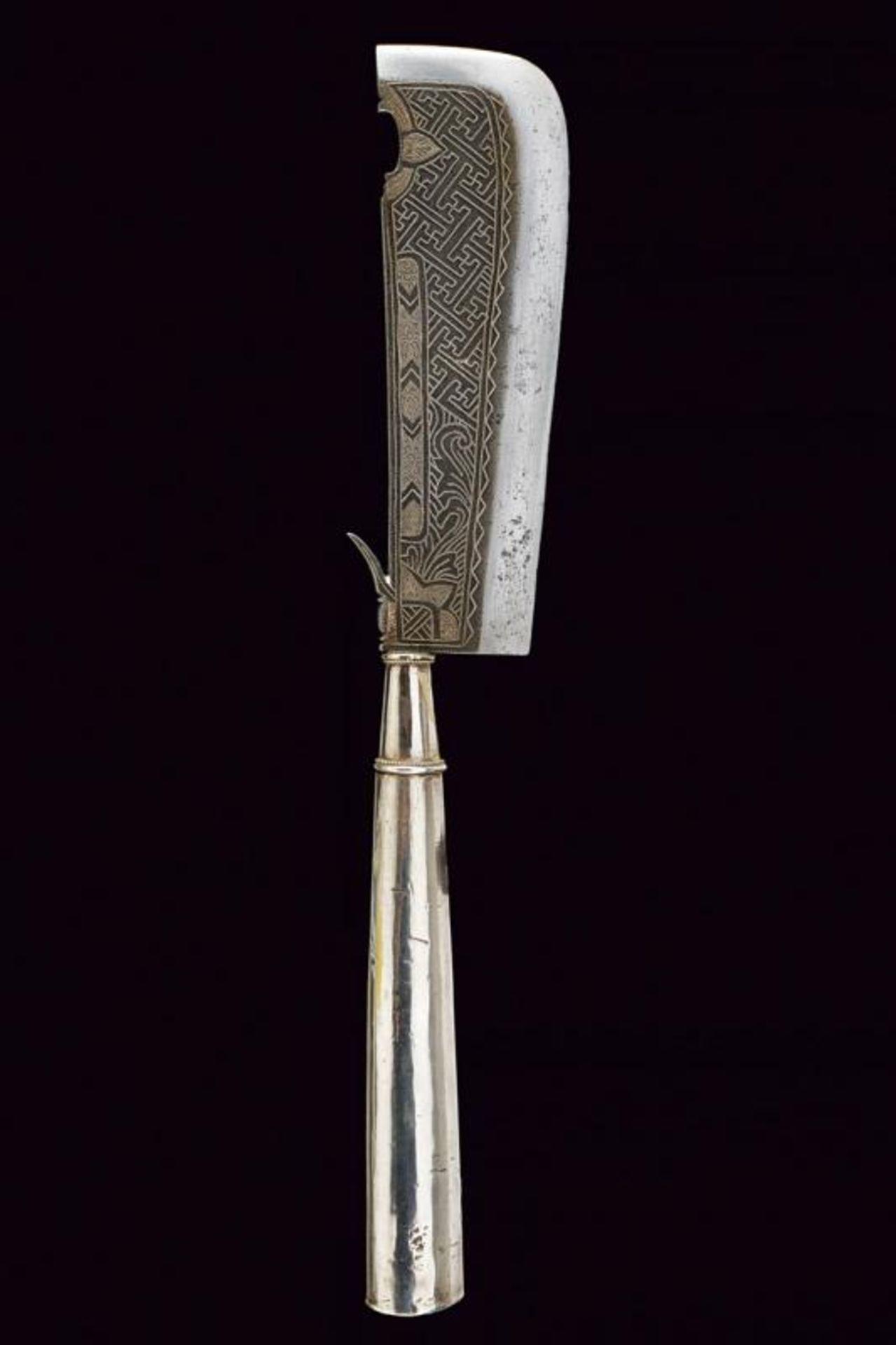 A ceremonial axe with silver hilt - Bild 6 aus 6