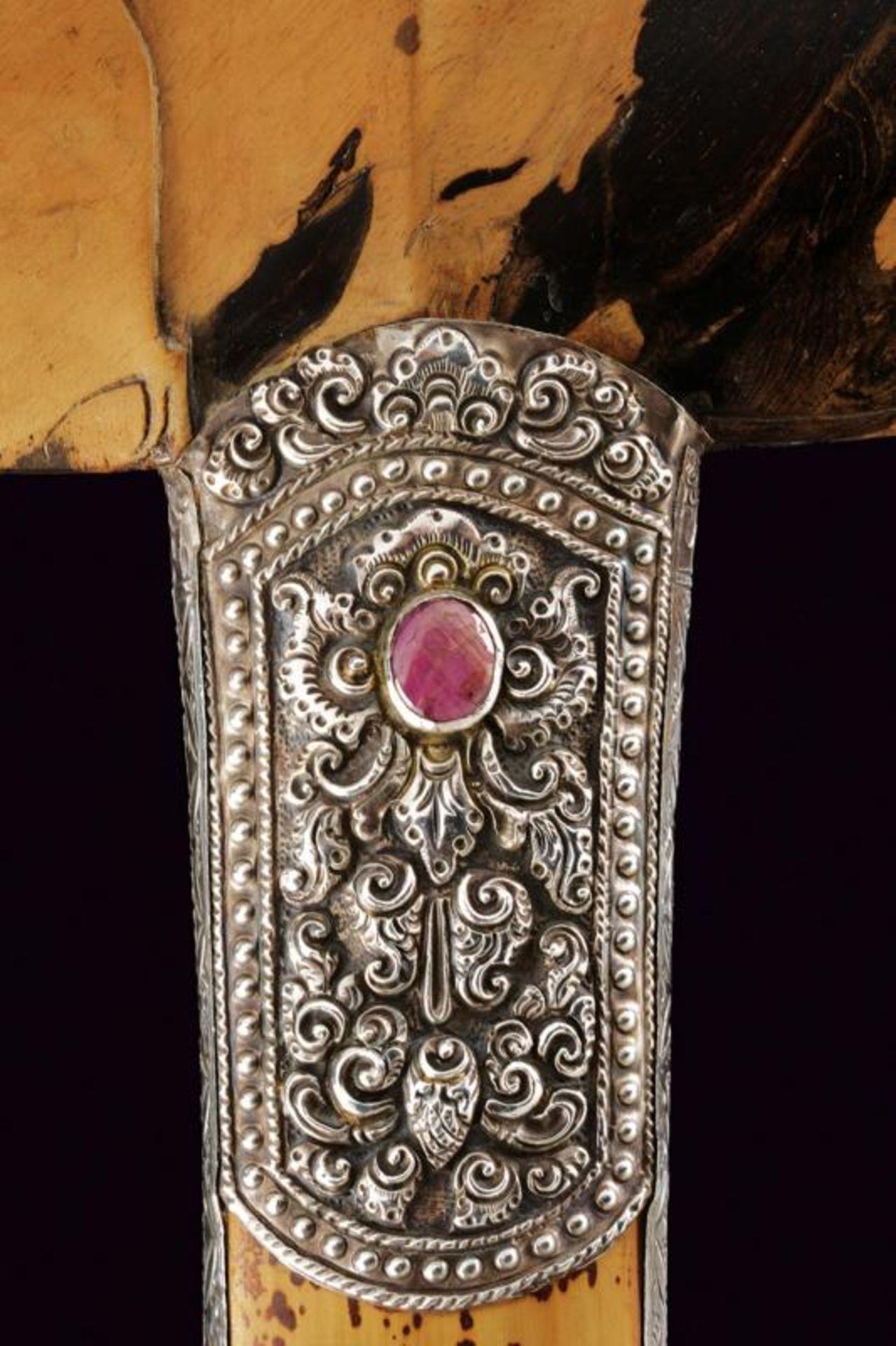 A beautiful silver mounted kris - Bild 5 aus 11