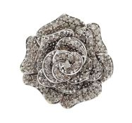 9ct white gold diamond set flower ring, hallmarked Condition Report Approx 8.