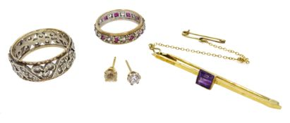 Gold amethyst bar brooch, stone set gold eternity ring, both stamped 9ct,