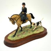 A limited edition Border Fine Arts figure, Elegance in the Field, model no L126 by Anne Wall, 841/95