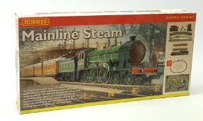 Hornby '00' gauge - Mainline Steam set with Class B12 4-6-0 tender locomotive No.8544 and two coache