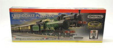 Hornby '00' gauge - Digital East Coast Pullman Set with 4-6-0 tender locomotive No.8556 with three P