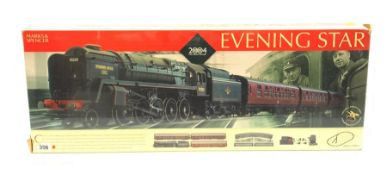Hornby '00' gauge - Marks & Spencer Evening Star set with Class 9F 2-10-0 locomotive 'Evening Star'