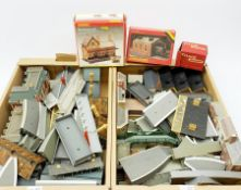'00' gauge - quantity of kit-built plastic and cardboard layout buildings