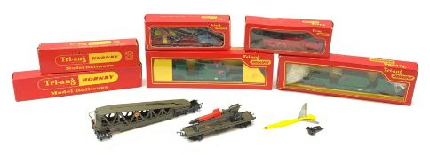 Tri-ang/Hornby '00' gauge - Battle Space Anti-Aircraft Searchlight wagon; Multiple Missile Launcher;
