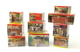 Hornby Skaledale - ten various buildings including The Kings Head Hotel, Radcliffe's Newsagent, 'War