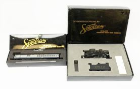 Bachmann Spectrum Master Railroader Series HO scale - two Baltimore & Ohio locomotives comprising 81