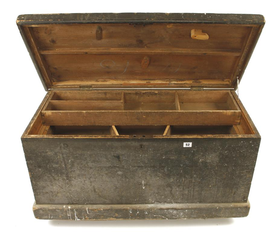 """Lot 52 - A tool chest 37"""" x 18"""" x 18"""" with two sliding trays G"""