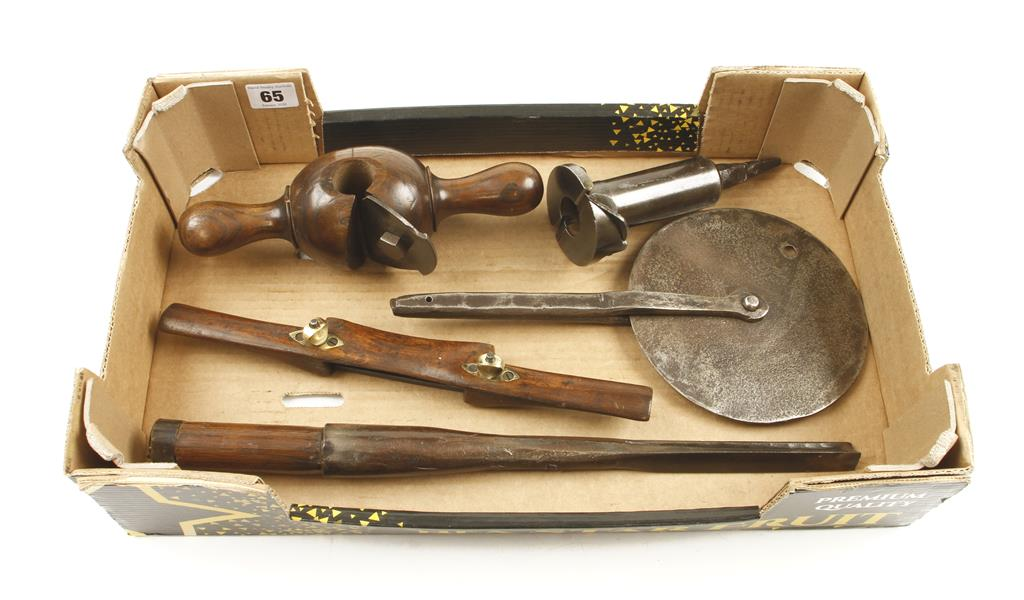 Lot 65 - Wheelwright's tools ie.