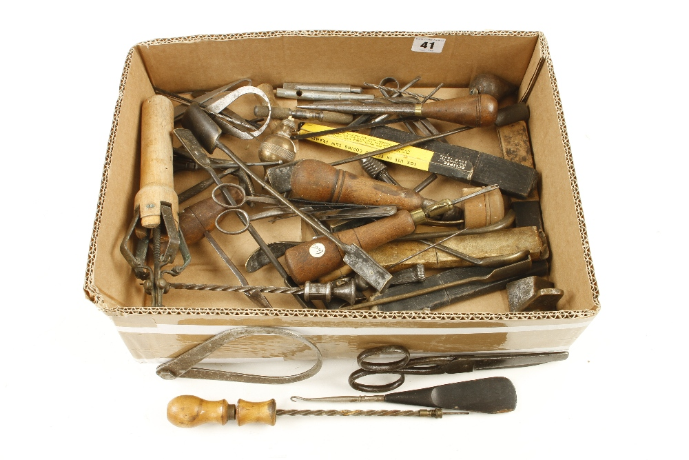 Lot 41 - A box of small tools G