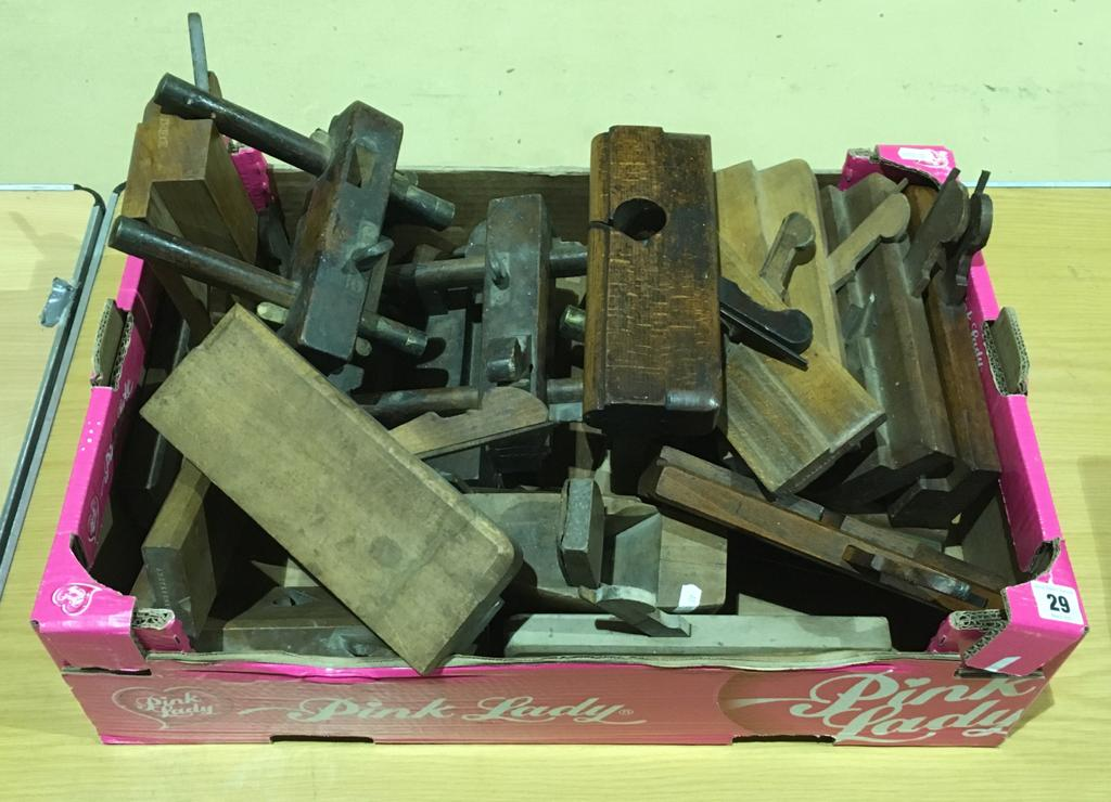 Lot 29 - A box of moulders and wood planes G