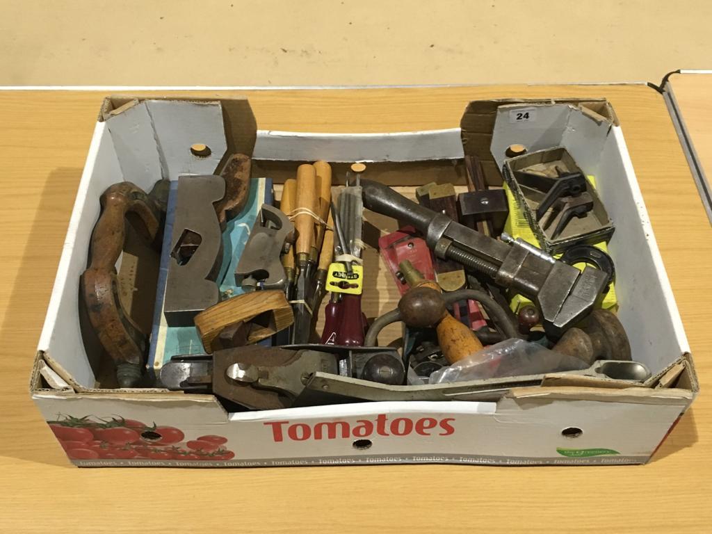 Lot 24 - A box of tools G