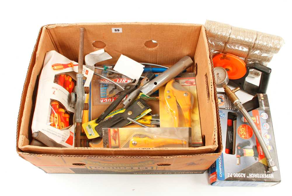 Quantity of modern tools etc F