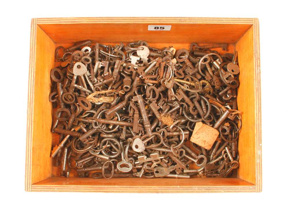 A quantity of old keys G