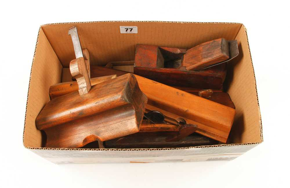 12 wood planes G+ - Image 2 of 2