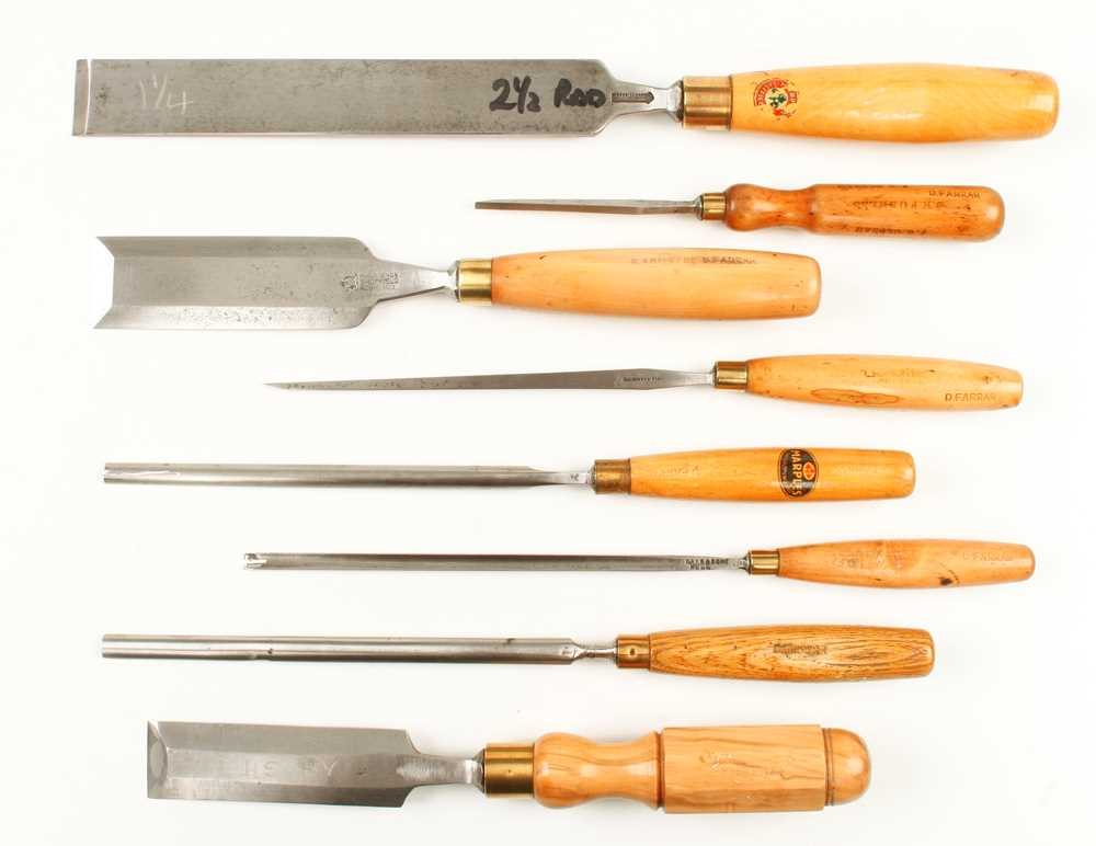 Lot 46 - Six paring chisels and gouges and two bevel edge chisels G+