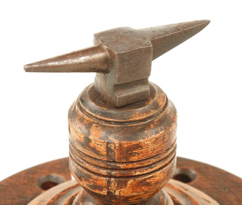 "A 3 1/2"" jeweller's anvil on hardwood base G+ - Image 2 of 2"