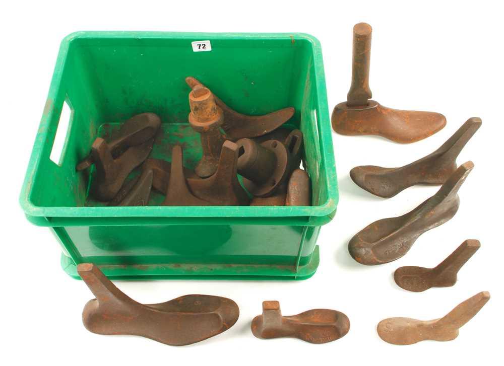 Lot 72 - 17 cobblers shoe lasts G
