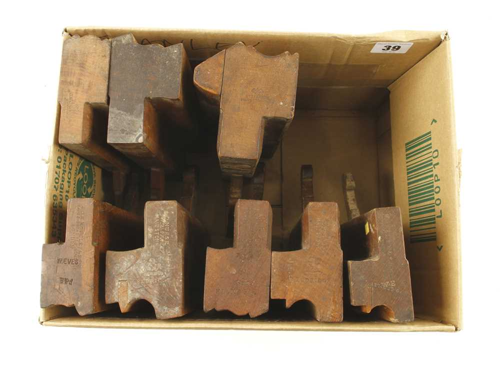 Lot 39 - Eight moulders G+