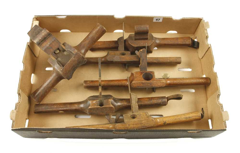 Lot 47 - A brass faced jarvis and 5 coach routers and shaves G