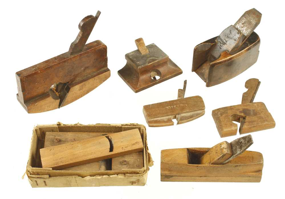Lot 45 - A small patternmaker's interchangeable sole plane with 4 soles and cutters and 5 other small