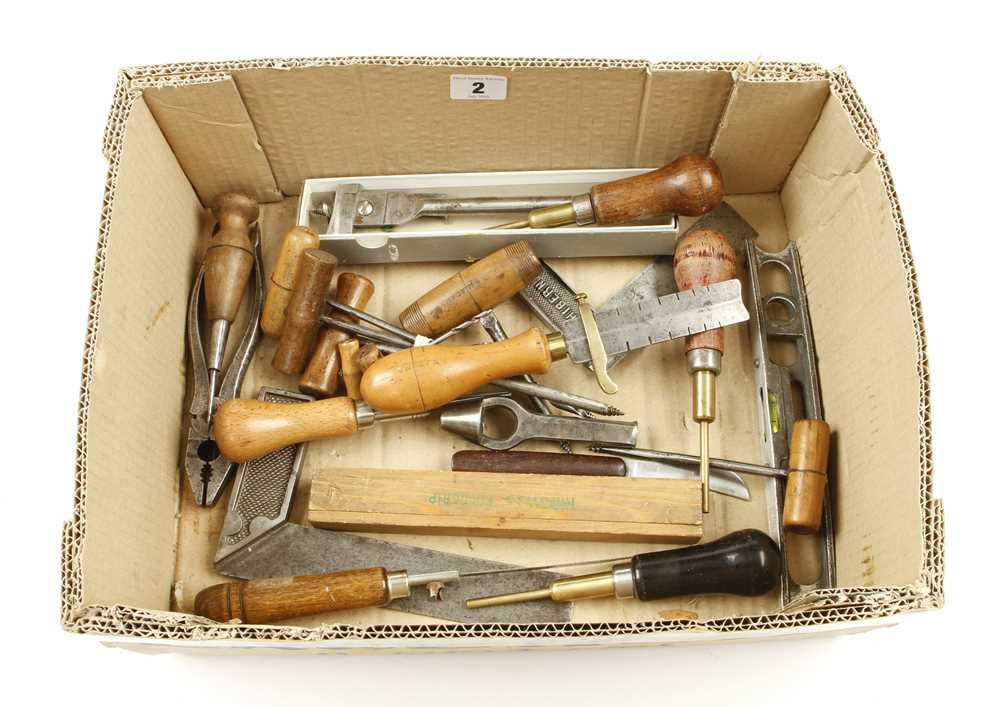 Lot 2 - A box of small tools G+