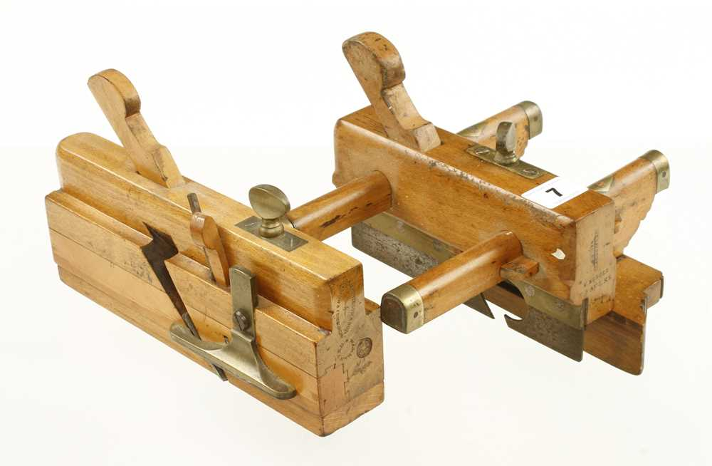 Lot 7 - A beech plough by VARVILL and a moving fillester by MATHIESON G++