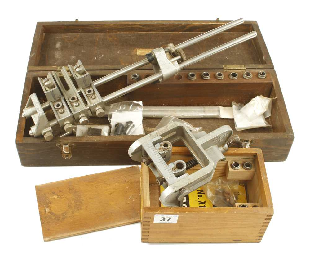 Lot 37 - A RECORD No 148 dowelling jig with various collets and a WODEN No X190 dowelling jig G+