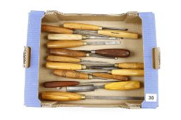 16 carving tools G+