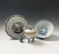 A Chinese blue and white porcelain bowl, 18th century, height 11.5cm, diameter 27cm, an imari