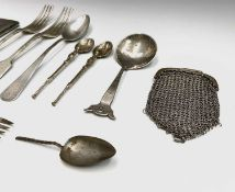 Three sets of six silver teaspoons, 6.2oz each cased and a set of six tea knives