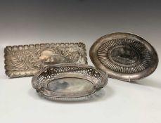 Two silver bonbon bowls and a silver pen tray 6.6oz
