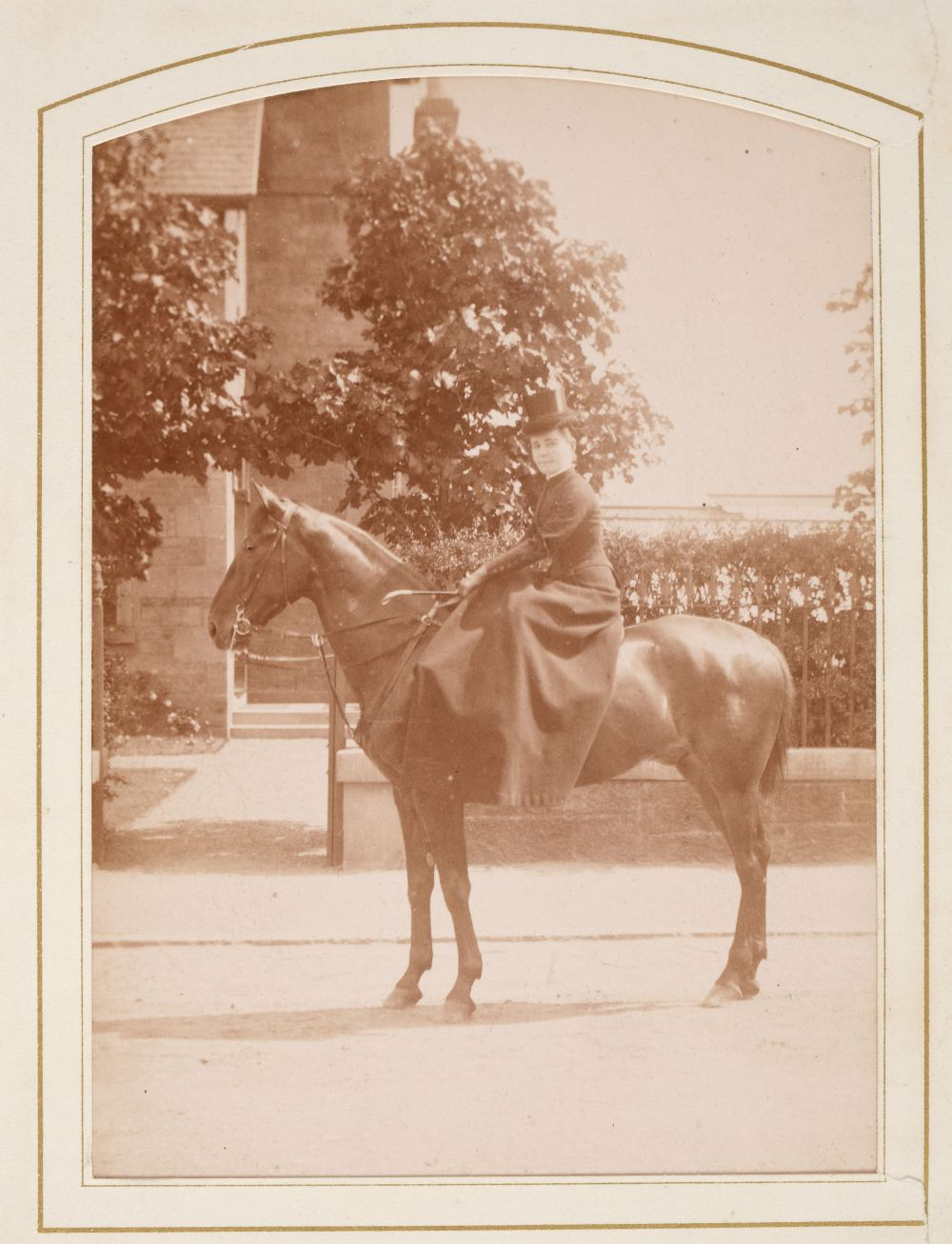 * Cartes de visite. A group of 3 albums of cartes de visite and cabinet cards - Image 20 of 26