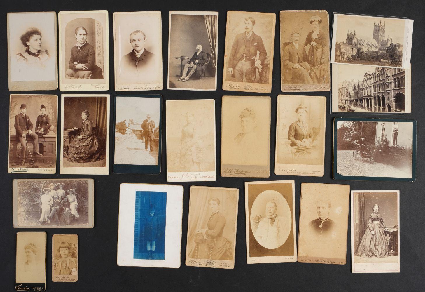 * Cartes de Visite. A collection of approx. 140 albumen print cartes de visite, 1860s and later - Image 19 of 21