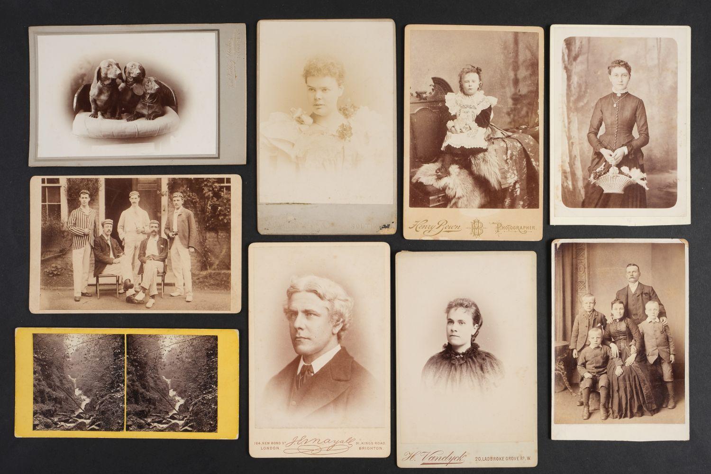 * Cartes de Visite. A collection of approx. 140 albumen print cartes de visite, 1860s and later - Image 14 of 21